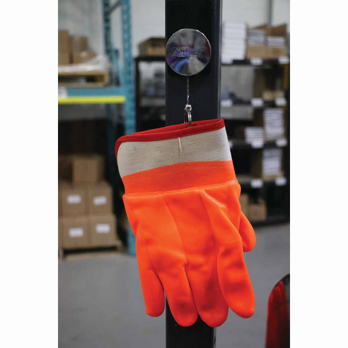 Retracting Glove For Propane Forklift