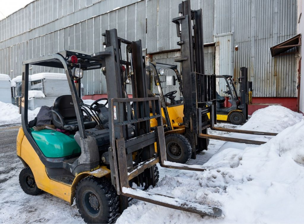 How to Properly Operate a Forklift in Winter Conditions